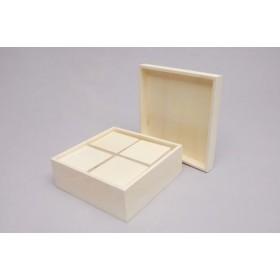 Caja con 4 Cajas en su interior